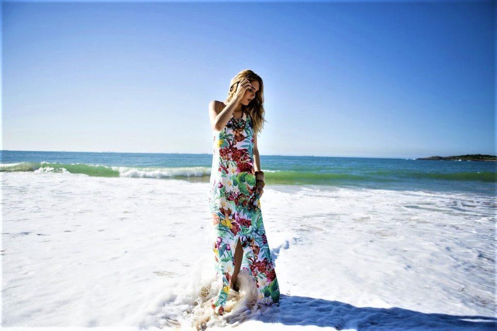 Dlouhé plážové šaty