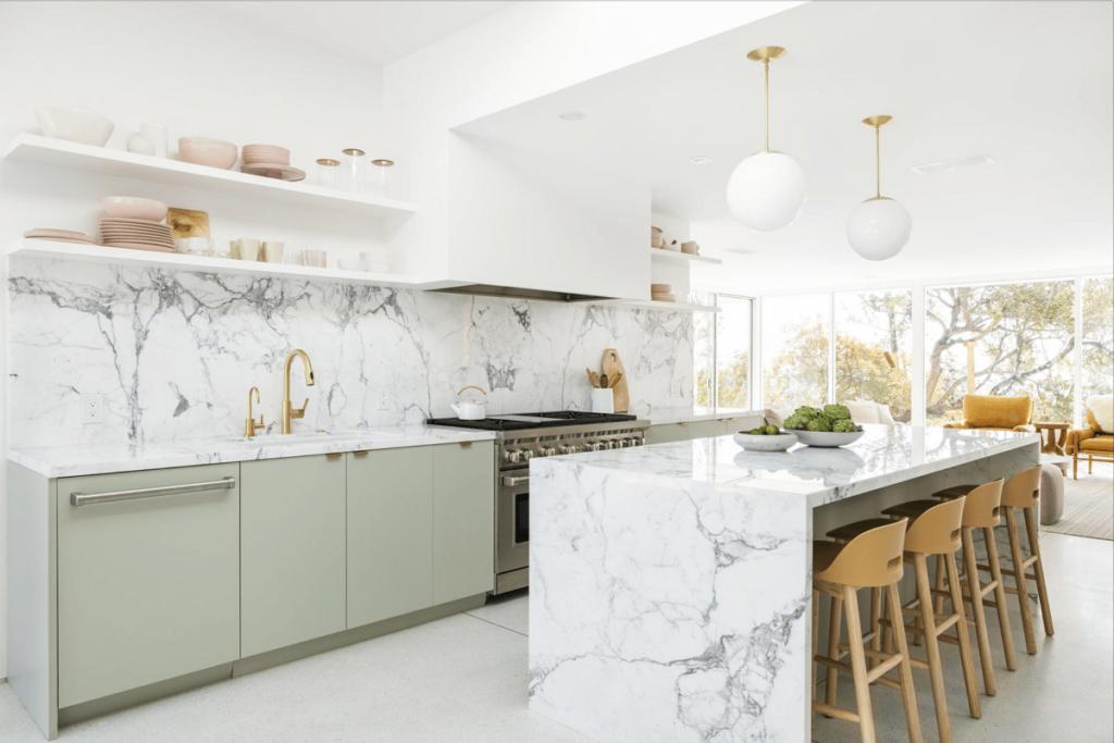 Zelená kuchyně se vzory