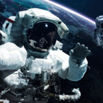 Astronaut ve vesmíru